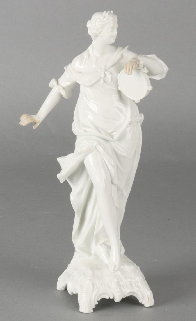 German 'KPM' porcelain lady with tambourine. 20th century. Size: 19.5 cm. In goo