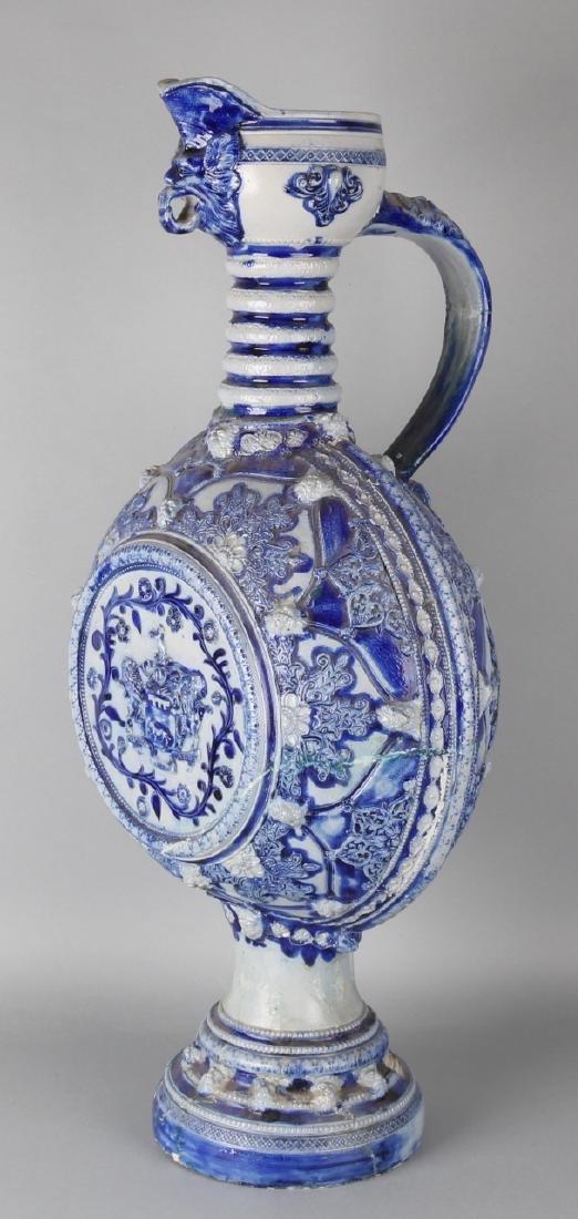 Giant 'Westerwald' ceramic Renaissance jug. 19th century. Base glued. Size: 80 x