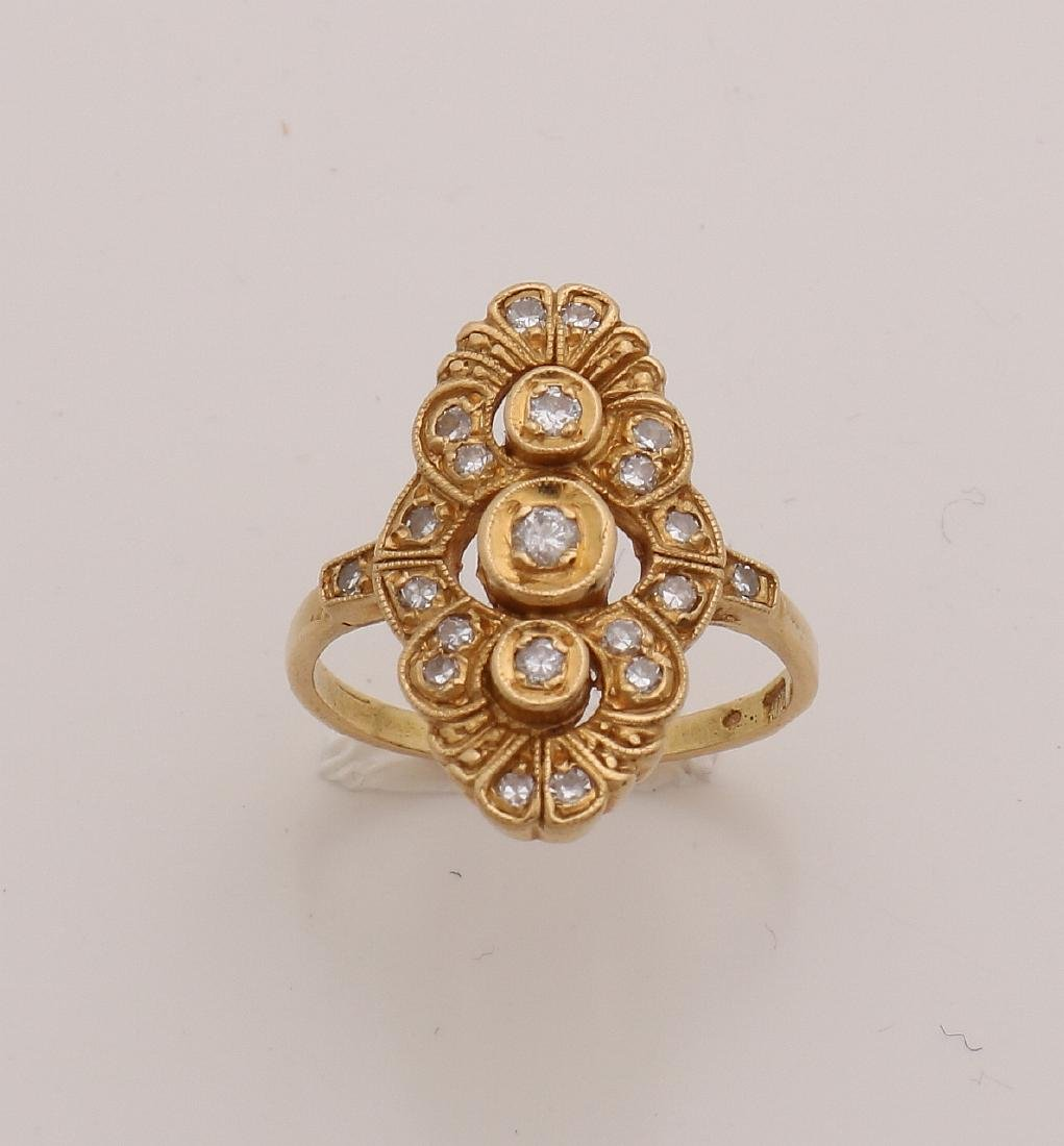 Gold ring, 833/000, with diamond. Ring with an oval