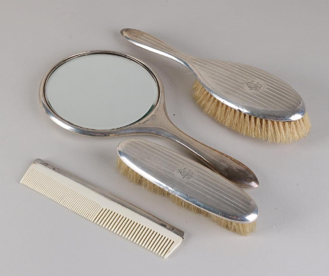 Hairdressing set, silver, 925/000, with a hand mirror
