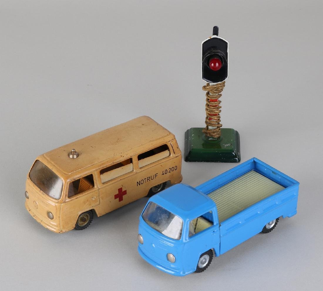 Three times old German tin toy. Consisting of:
