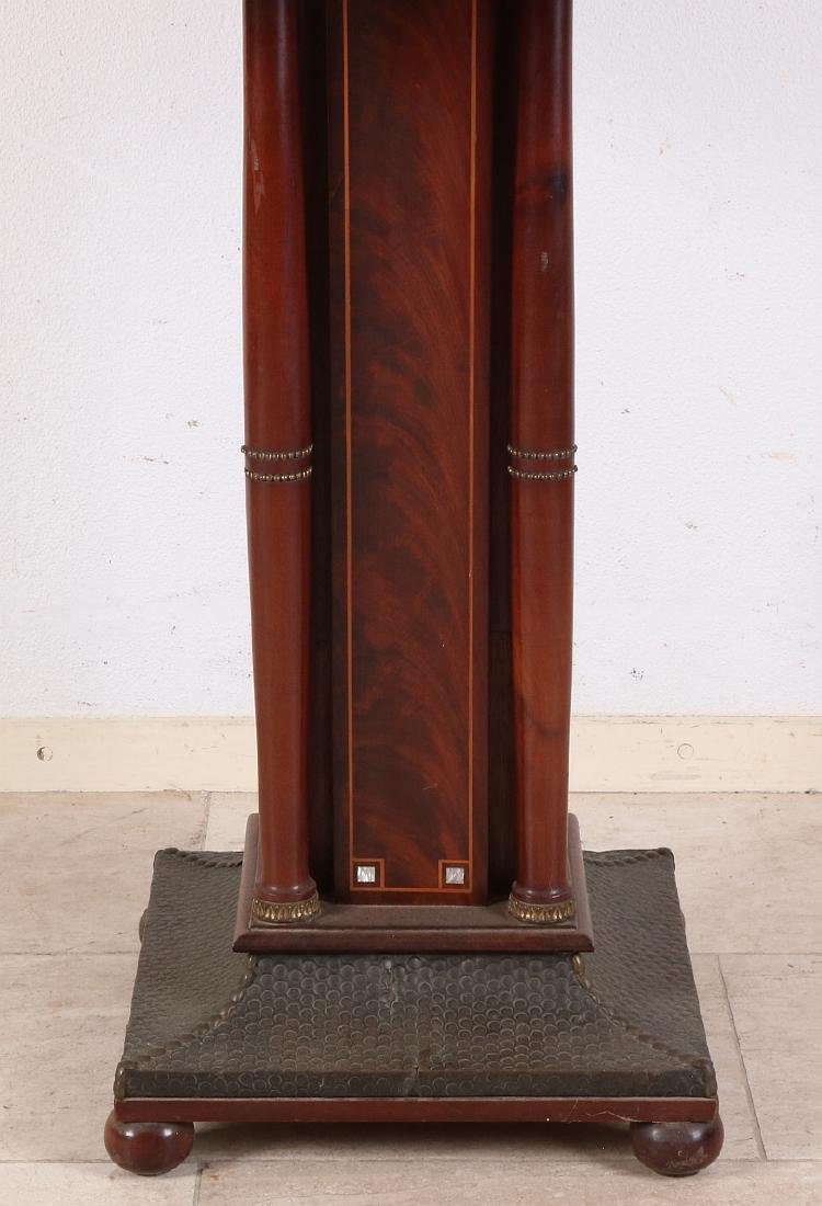 Mahogany Art Deco game table with marquetry veneer on