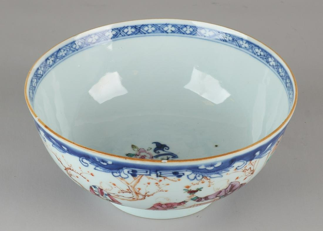 Large 18th century Chinese porcelain Family Rose bowl