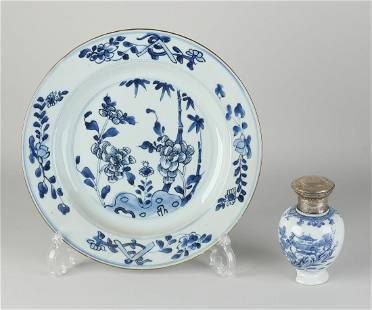 Two parts 18th century Chinese porcelain