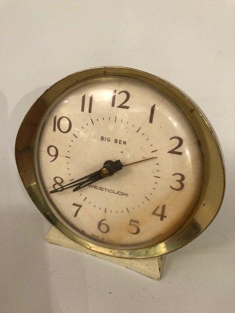 Mid-Century vintage small desk clock