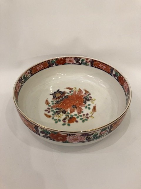 Hand painted signed porcelain Asian painted bowl