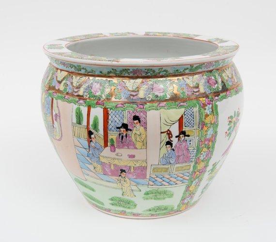 Porcelain MADE IN CHINA vintage pot