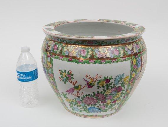Porcelain MADE IN CHINA vintage pot - 2