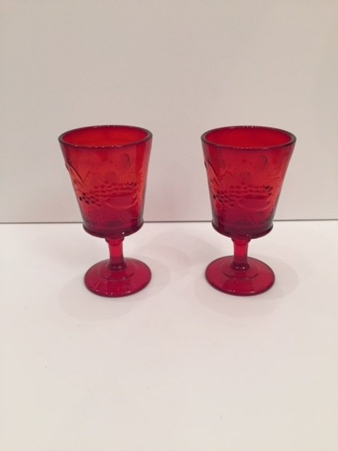 Mid Century red pair of Goblets glasses