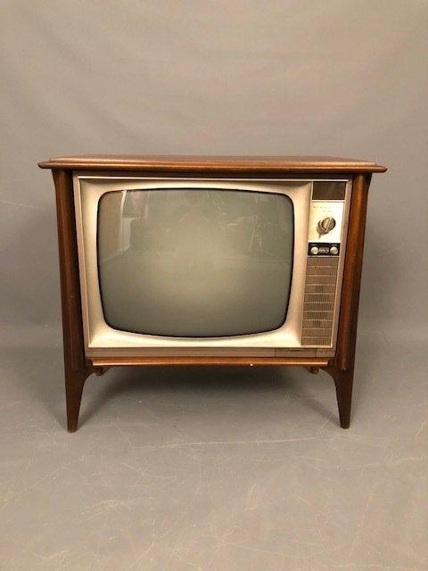 Mid-Century RCA VICTOR TV VISTA