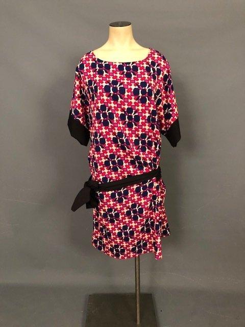 Vintage pink dress with a belt
