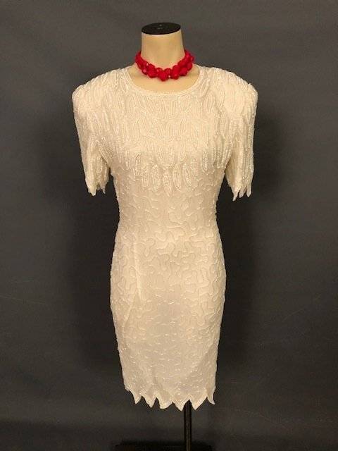 Vintage elegant sequence white pearls dress