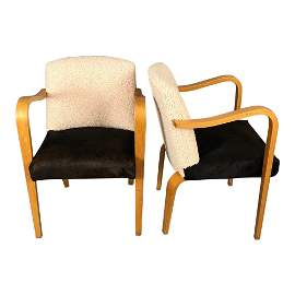Mid-Century Modern Curated Lounge chairs Thonet