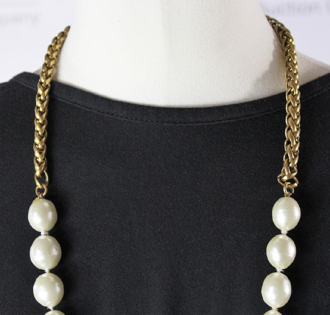 Chanel Pearl Necklace - 4