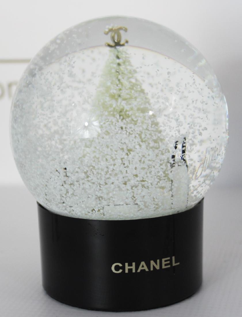 Chanel Snowglobe - 7