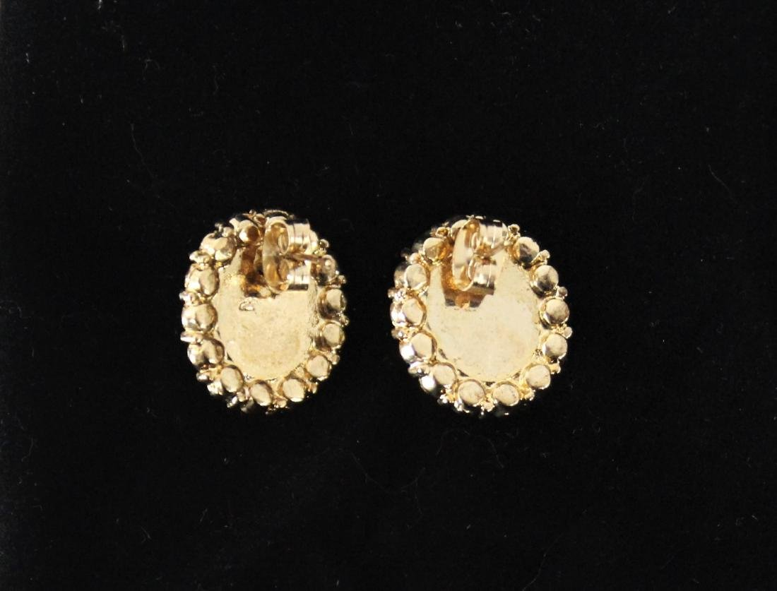 Vintage Pair of Pearl Earrings - 2
