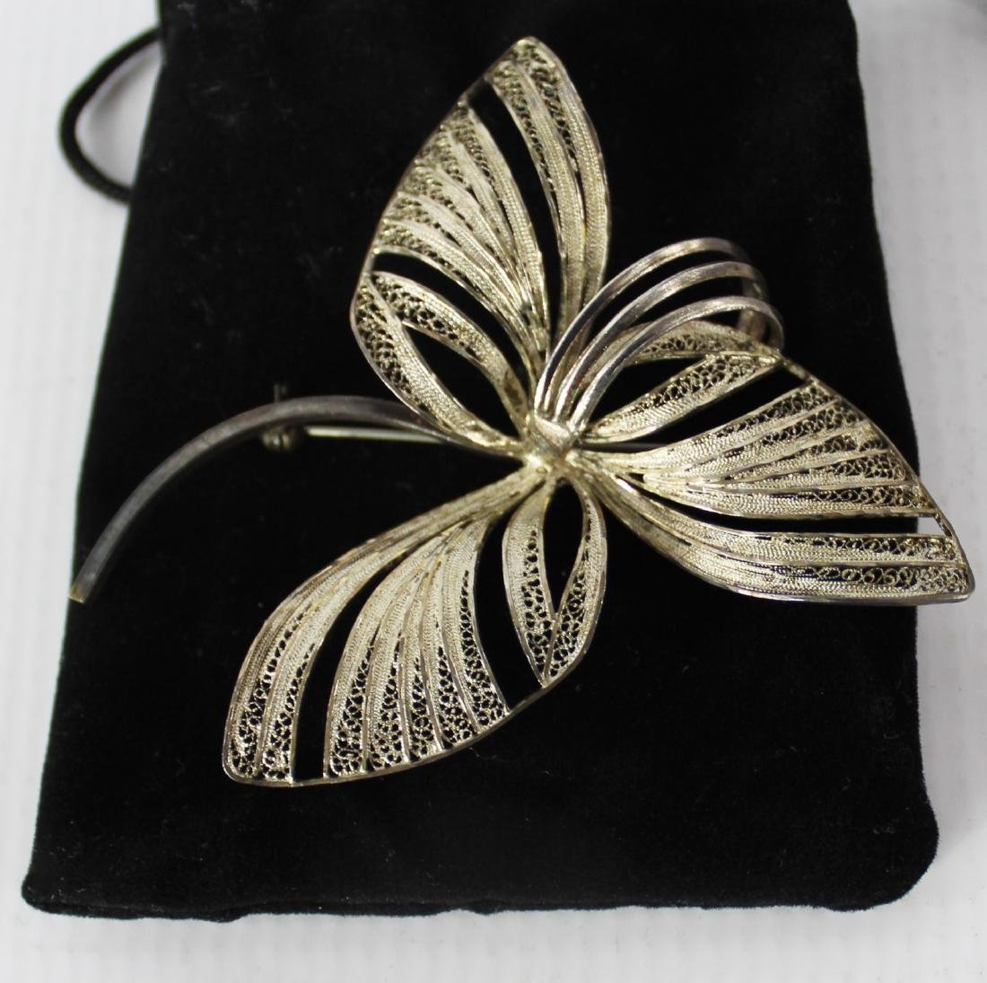 Silver Three Leaf Brooch - 2