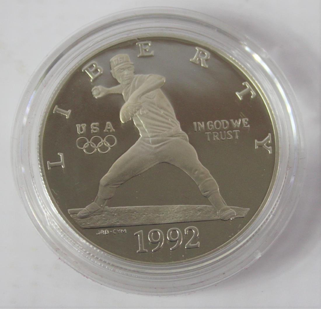 Olympic Baseball And Gymnastic Coin - 4