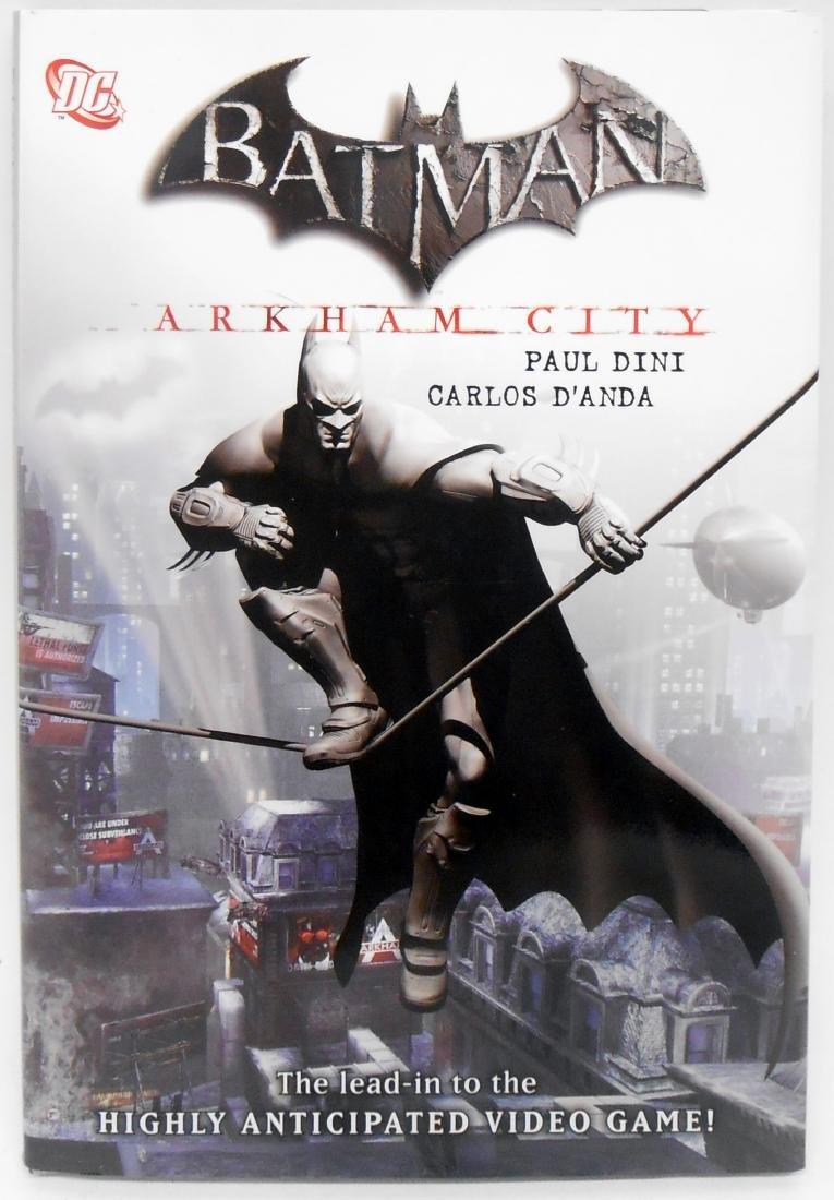 (5) BATMAN GRAPHIC NOVELS