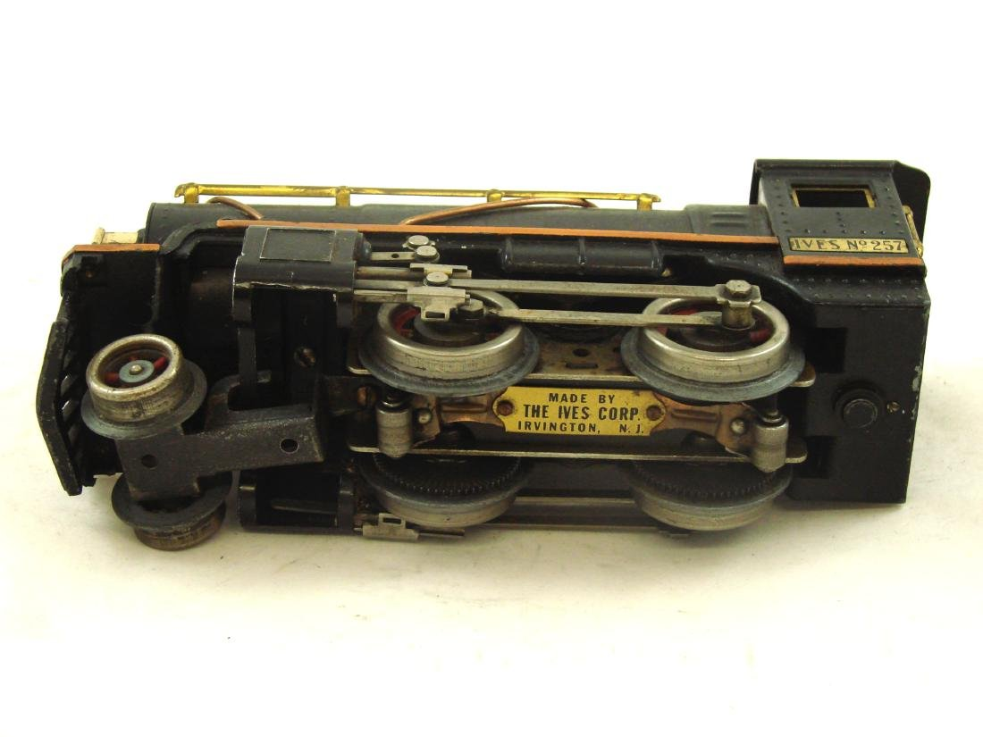 "(5) PIECE 1931 ""O"" GAUGE IVES TRAIN SET - 10"