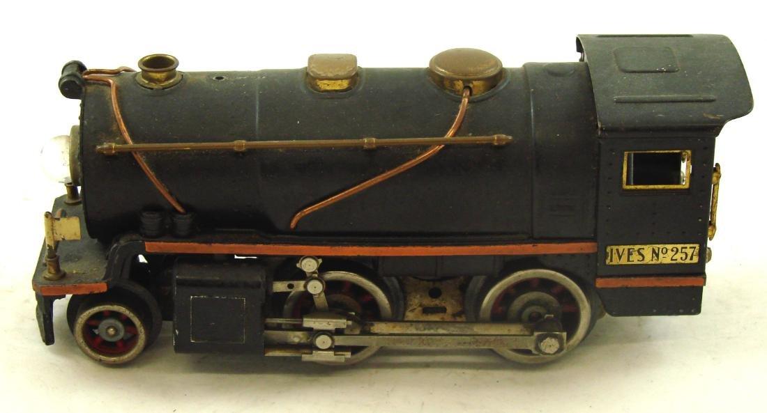 "(5) PIECE 1931 ""O"" GAUGE IVES TRAIN SET - 4"
