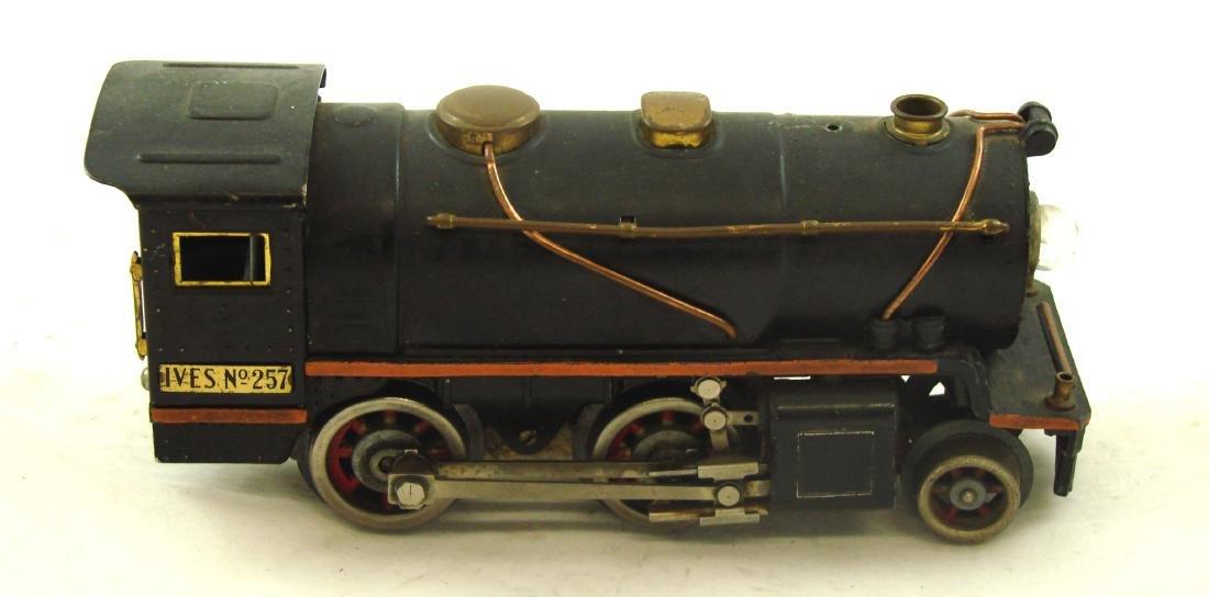 "(5) PIECE 1931 ""O"" GAUGE IVES TRAIN SET - 9"