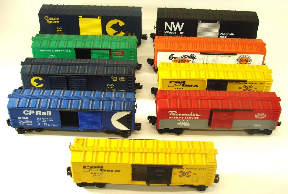 (9) LIONEL ROLLING STOCK CARS - 2