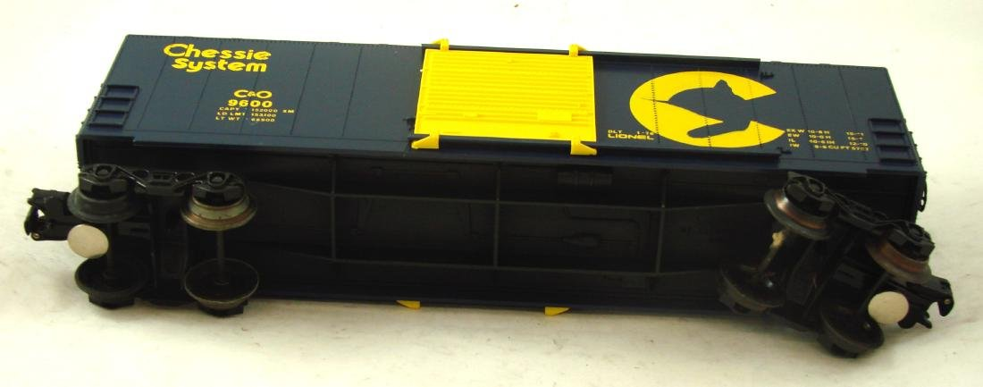 (9) LIONEL ROLLING STOCK CARS - 4