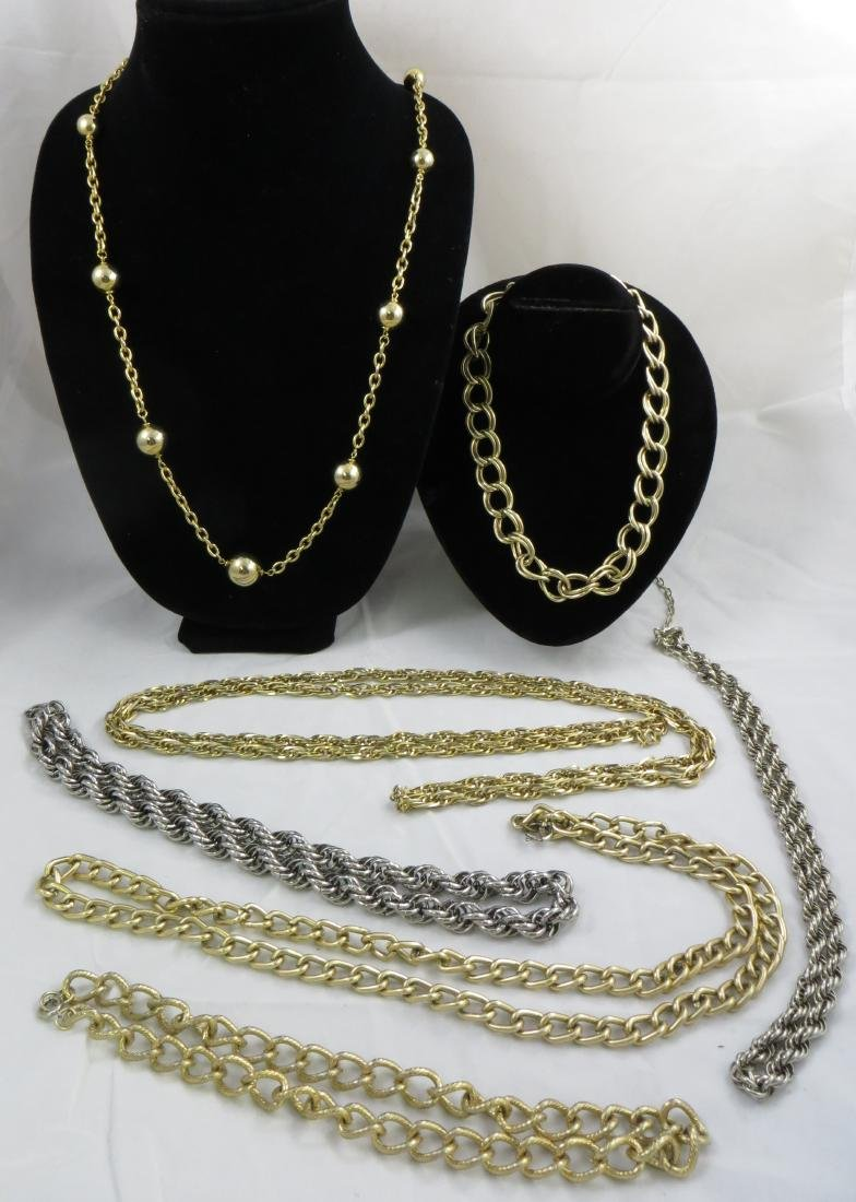 (13) COSTUME CHAIN NECKLACES