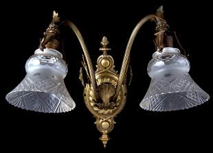 BEAUX-ARTS STYLE WALL SCONCE