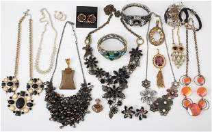 (18) PCS. COSTUME JEWELRY