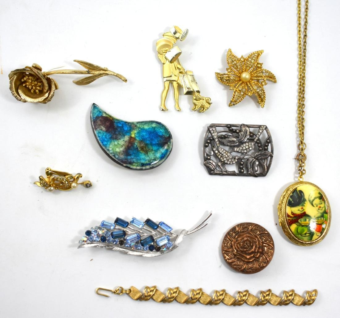 10pieces of jewelry, clips and more, some of them