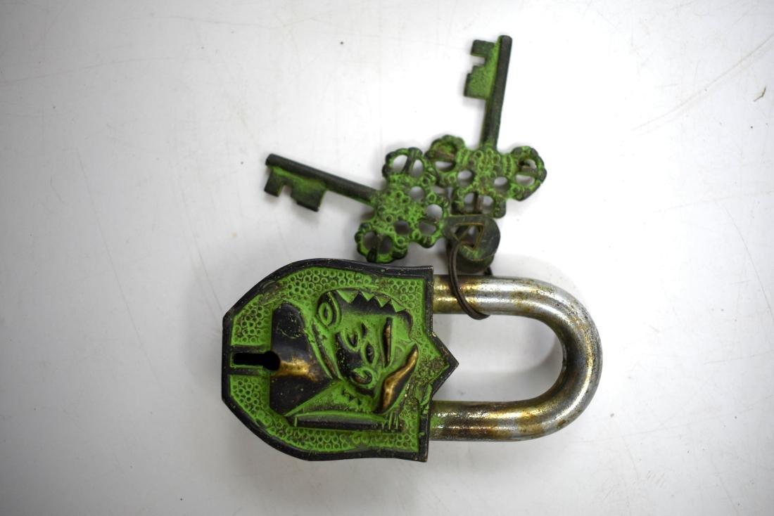 pair of padlocks including  the original keys. - 5