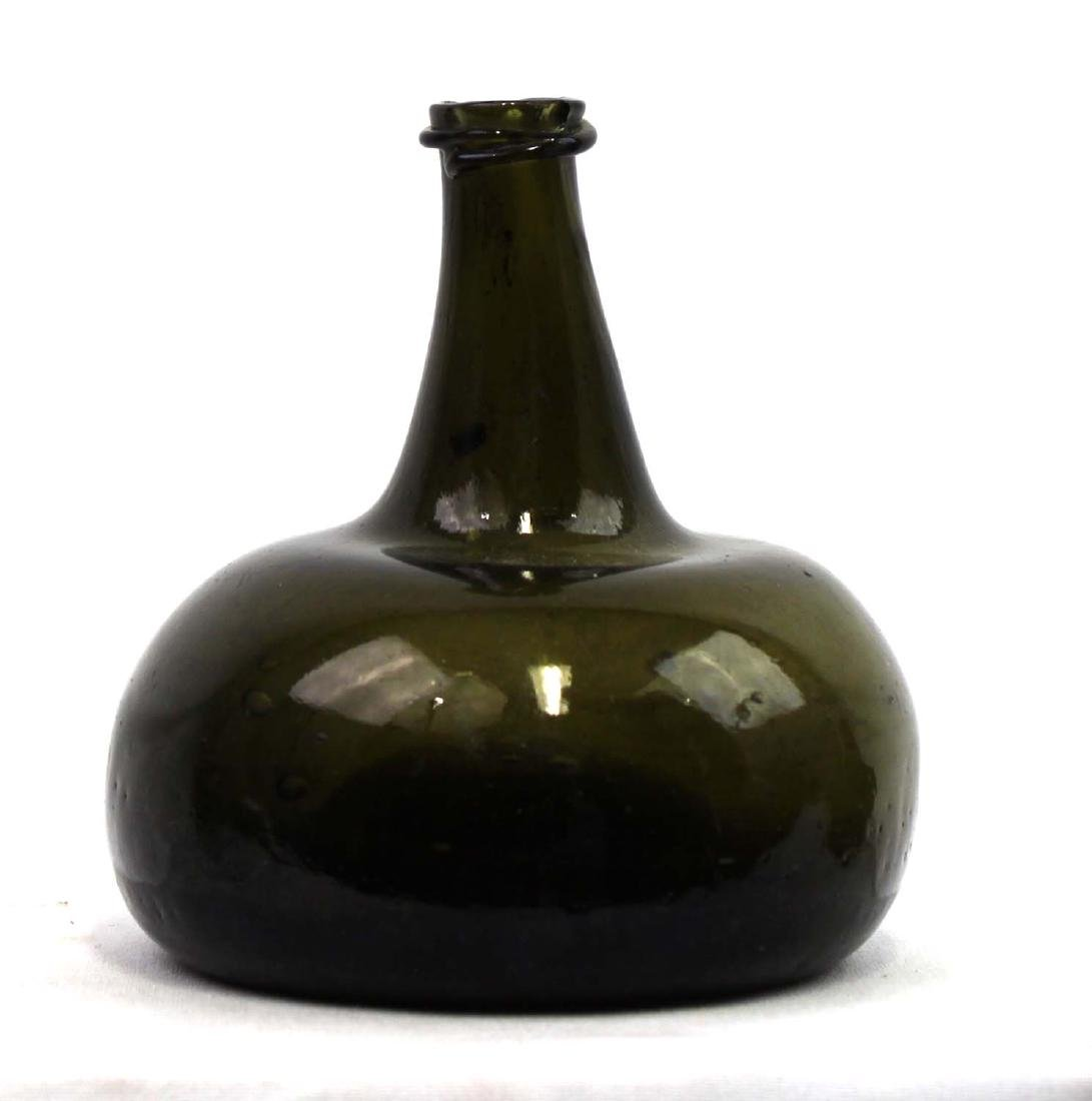 18 Century green glass Wine bottle - 2