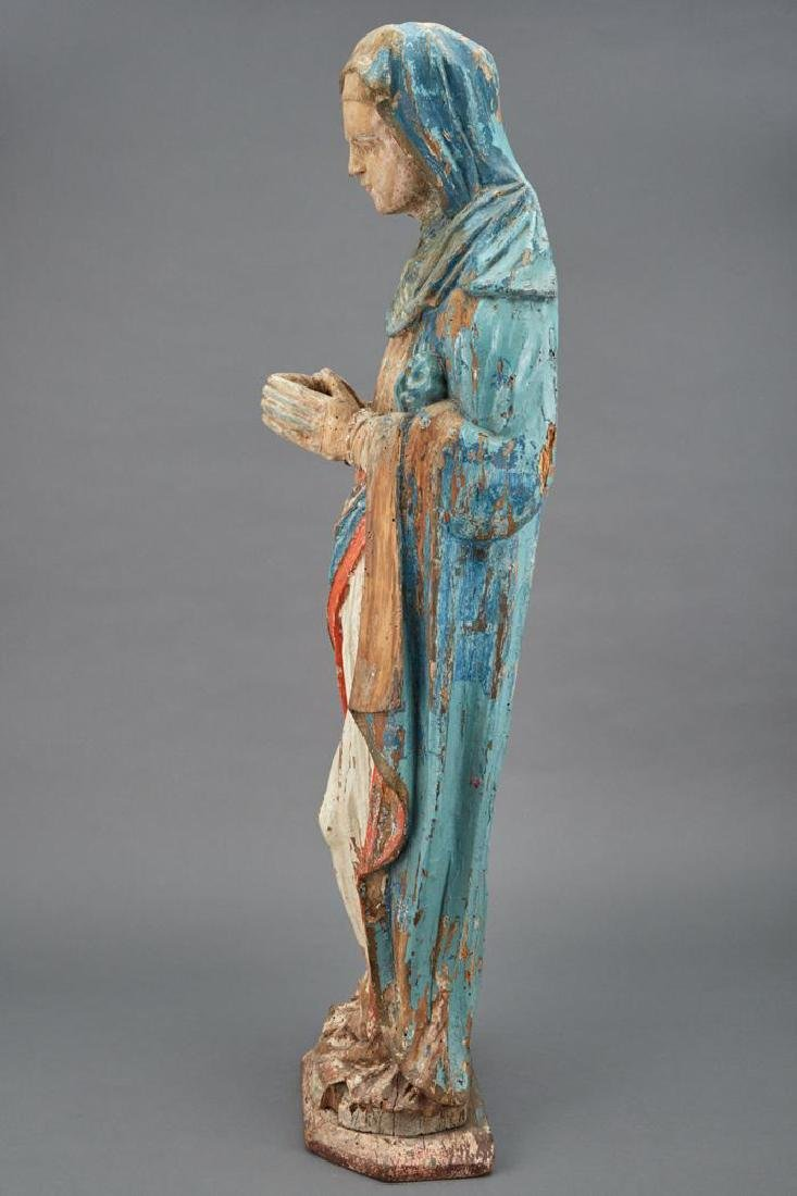16th century Polychrome Decorated Figure of the Virgin - 4
