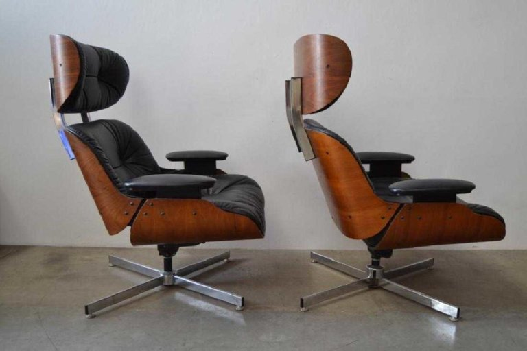 Pair of Eames Style Mid-Century Modern Lounge Chairs - 6