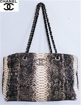 Rise-on CHANEL Python Wooled Beige Black Chain Tote Bag