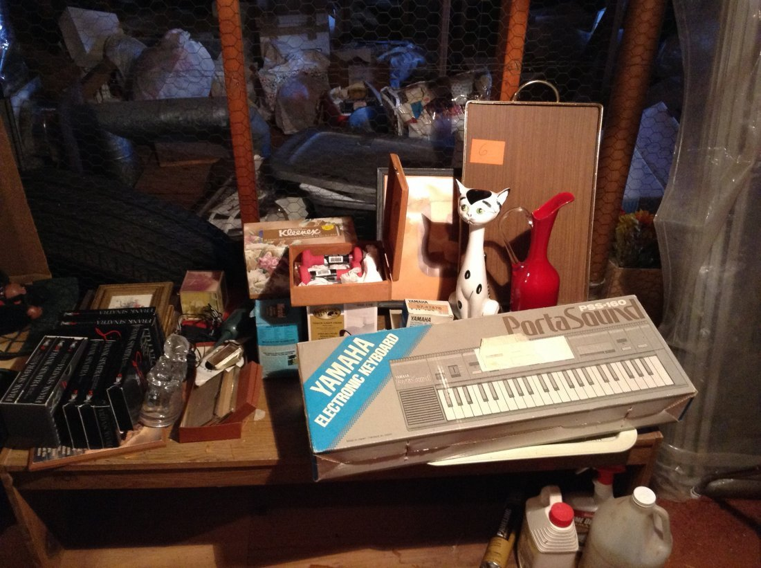 Yamaha Keyboard everything on top of bench and the
