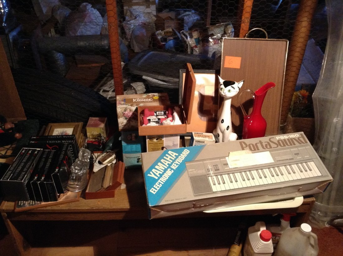 Yamaha Keyboard everything on top of bench and the - 2