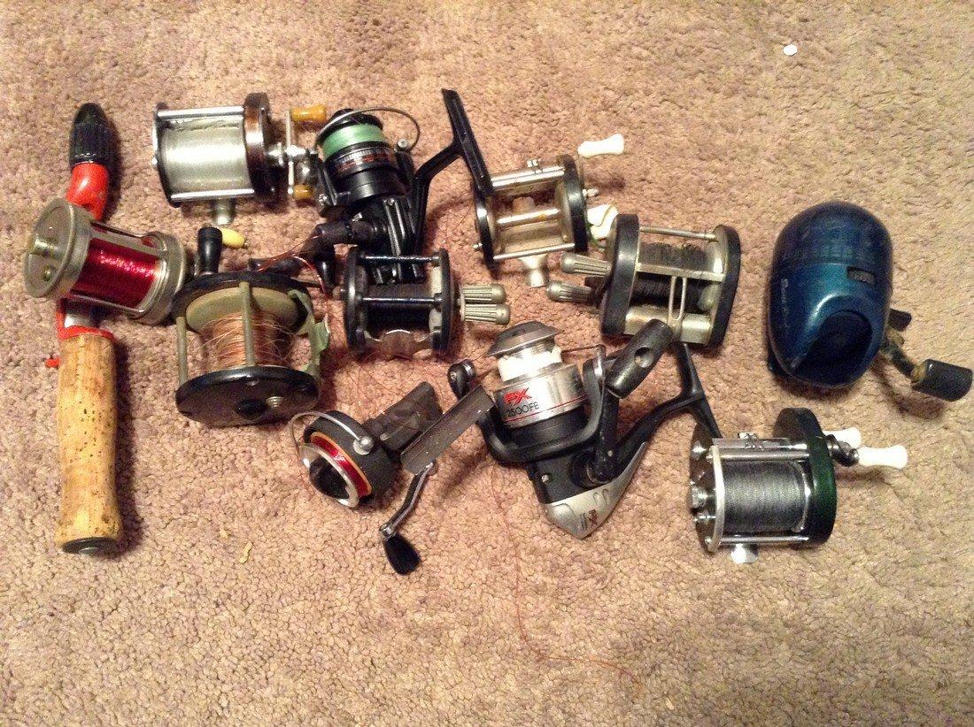 Large Lot of Vintage Fishing Reels