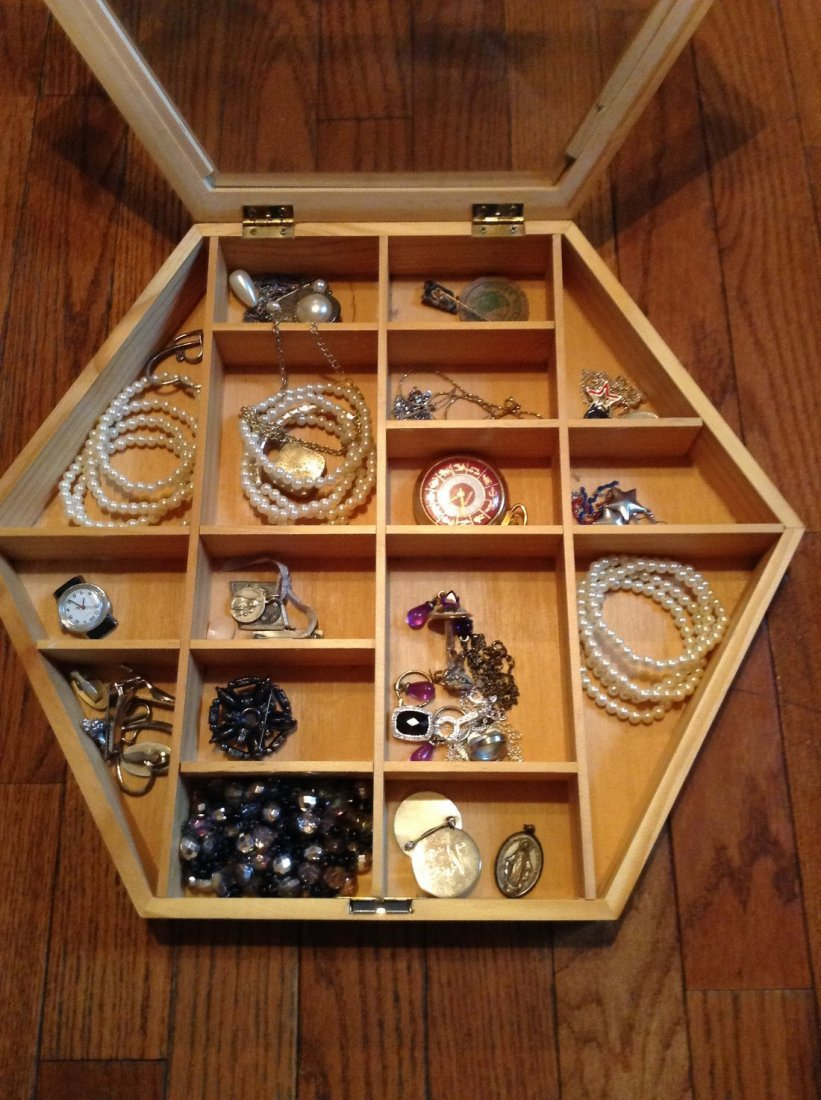 Lot of Vintage costume and some silver jewelry - 2