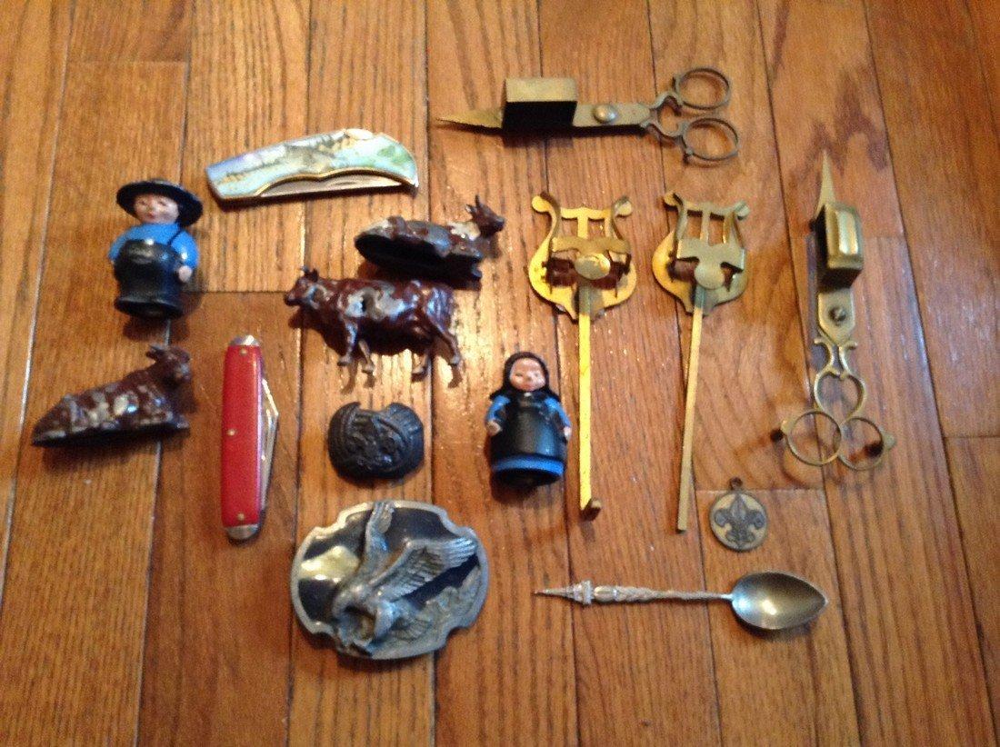 Vintage Lead figures pocket knives and more