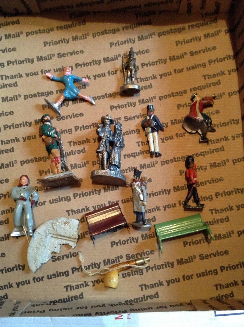 Lot of vintage lead figures