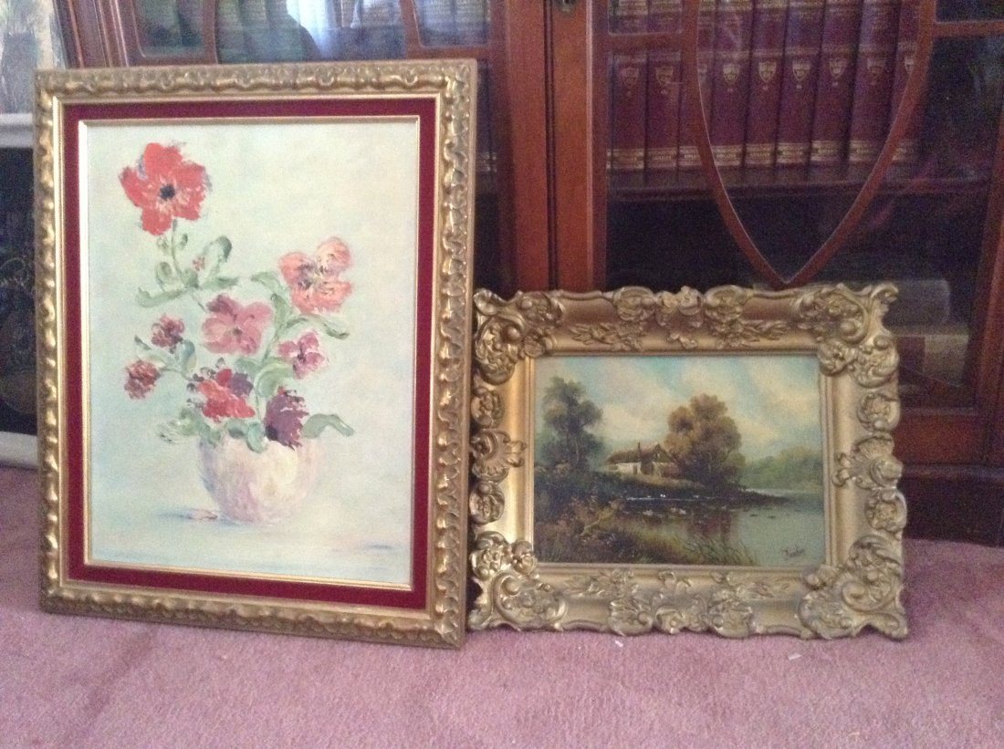 Lot of 13 Picture Wall Hangings and Poster in box