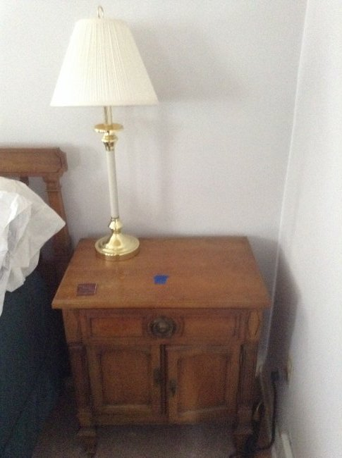 Vintage End table with lamp