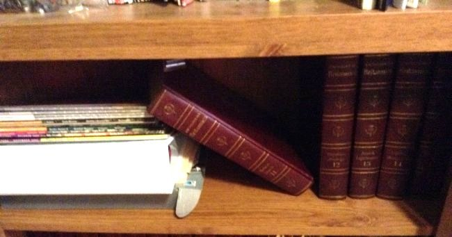 Five Shelfs of Book - 4