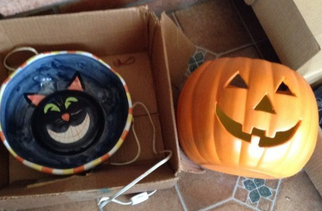 Vintage Halloween signed pieces
