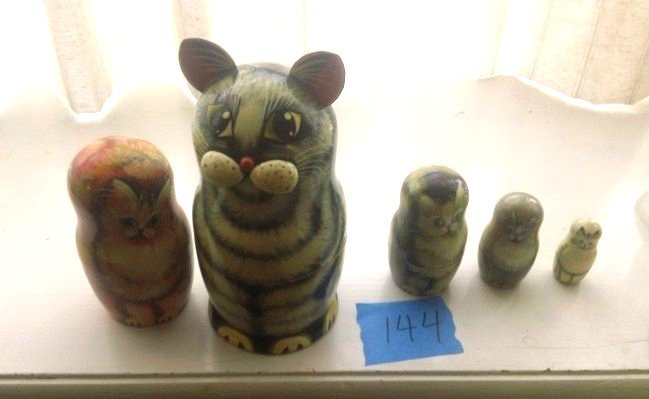Signed artist Russian Nesting Dolls of cats