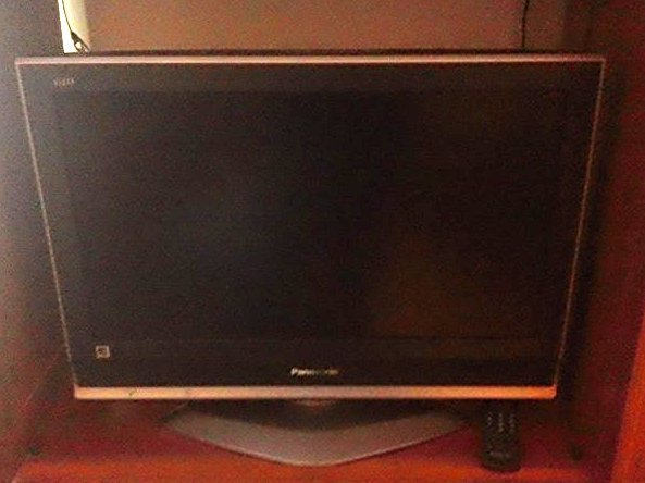 "26 "" Panasonic TV with Remote"