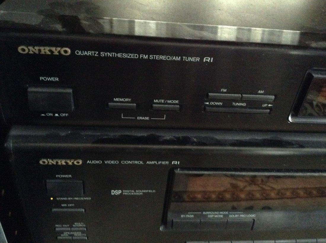 Onkyo Stereo system - 2